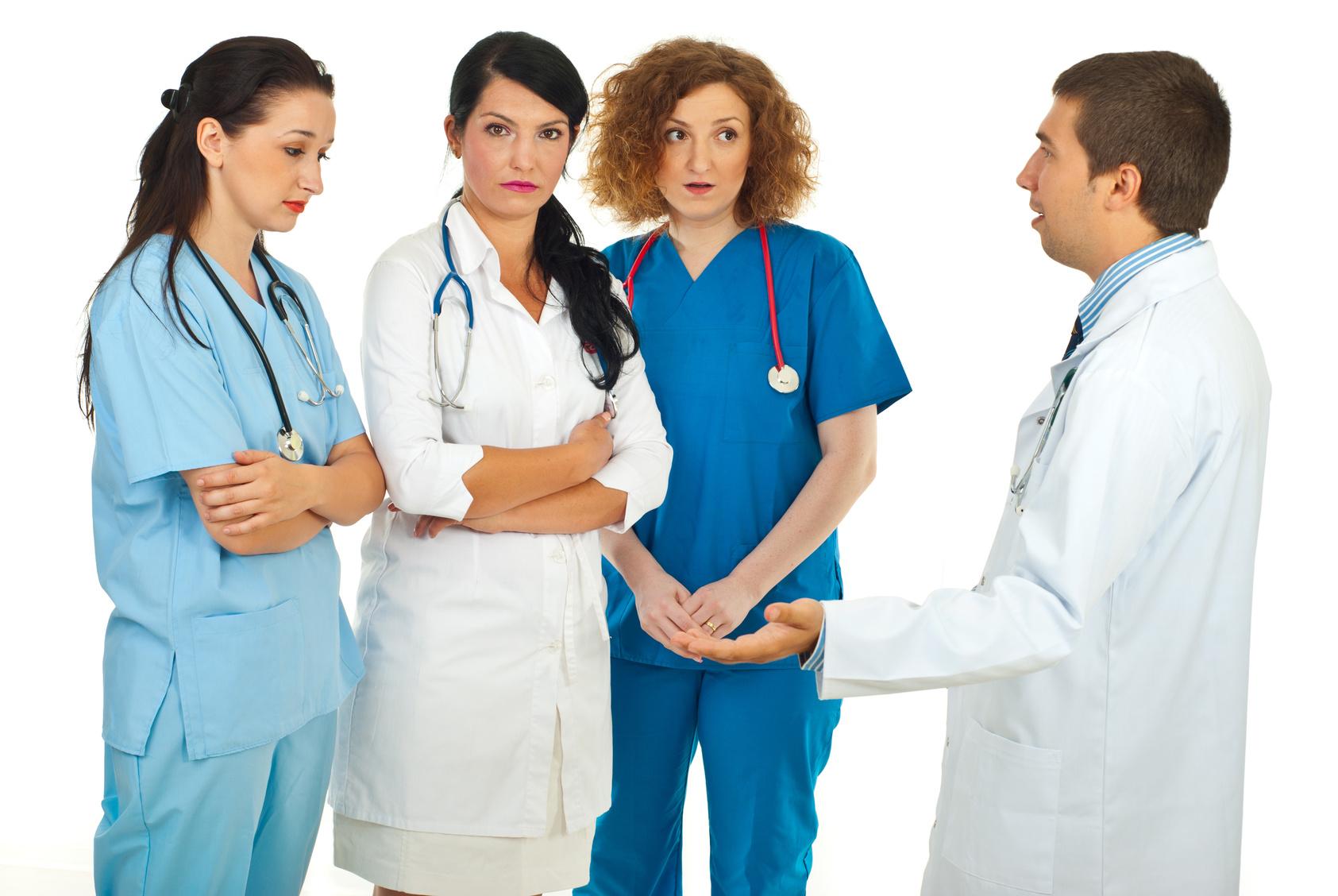 医師と看護師対立