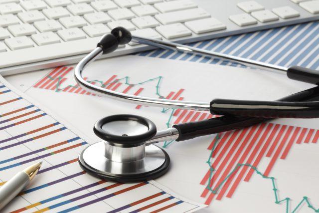 投資診断/グラフ,聴診器,キーボード