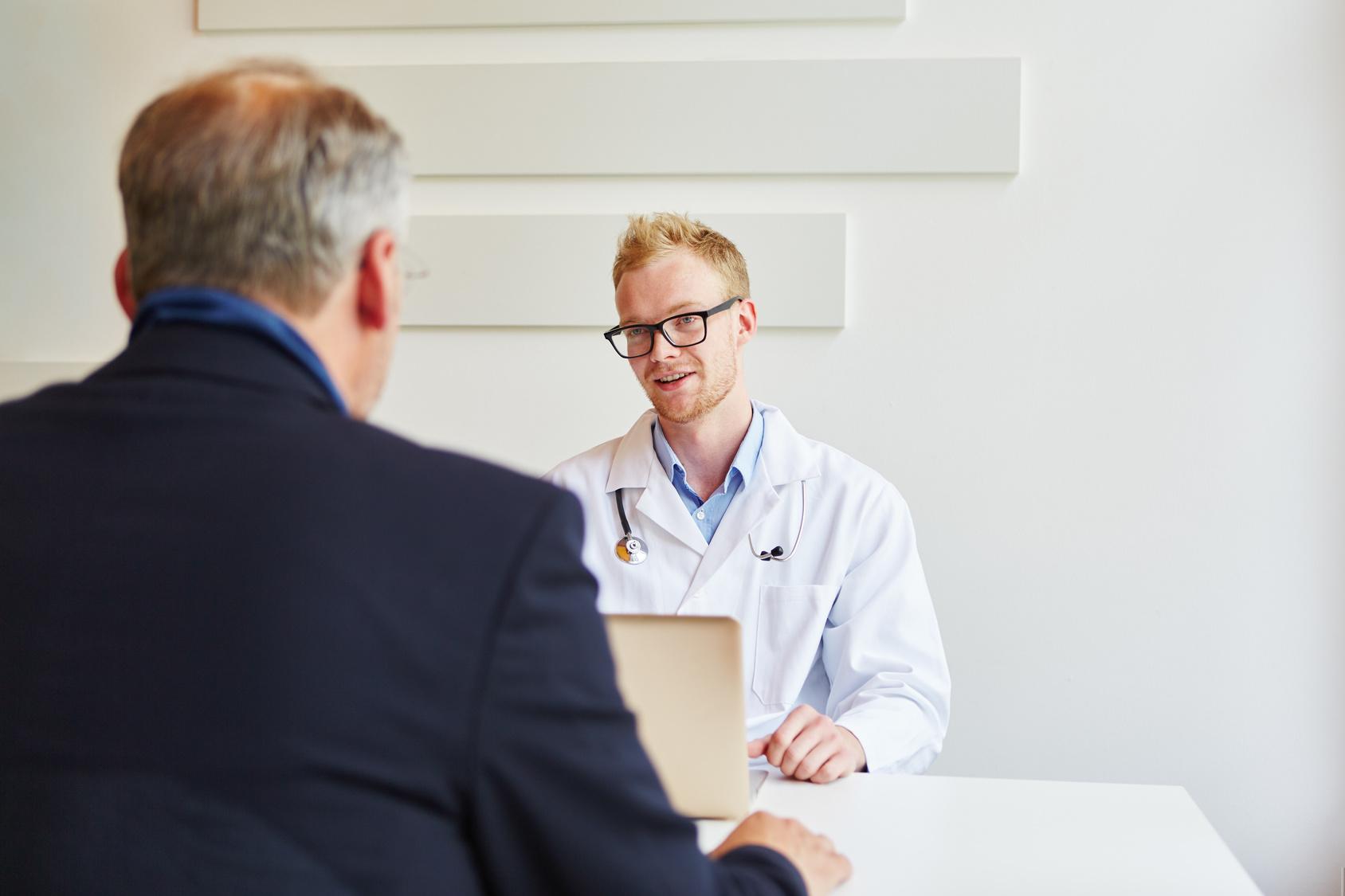 Facharzt in der Sprechstunde